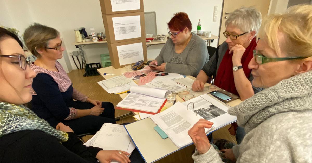 """Tages-Workshop Expertenstandard """"Beziehungsgestaltung in der Pflege von Menschen mit Demenz"""""""